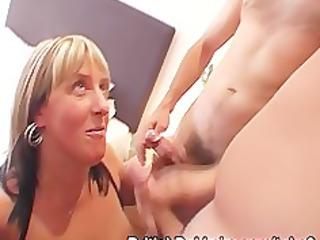plump mature dick suckers in pantyhose