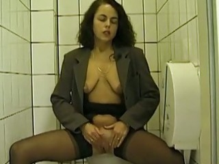 outside toilet dick sucking and peeing with young