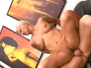 blondie older having kitty fisted difficult