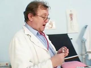senior inexperienced babe weird gyno clinic exam