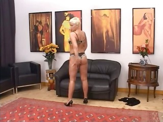 blonde grownup having whore fisted hard