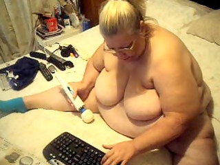 shes takes verry juicy with her fresh vibrator