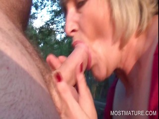 openair blowjob with blond grownup