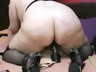 chubby mature with vibrator