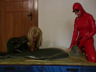 2 horny wives rubber + a male with 2 cocks