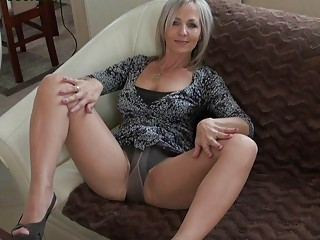handsome bleached momma inside stockings does