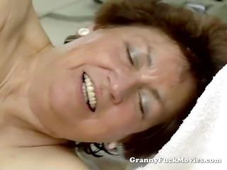fresh boy banging heavy shaggy granny