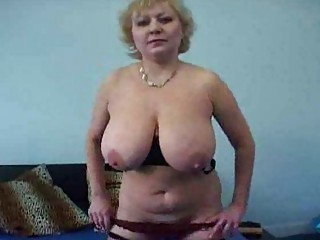 cougar with fucking big mammories