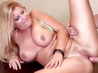 nasty woman robbye bentley getting big libido