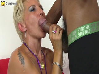 hawt clean mommy in an mixed group sex