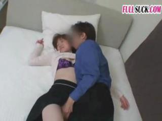 slutty inexperienced oriental wife takes fingered